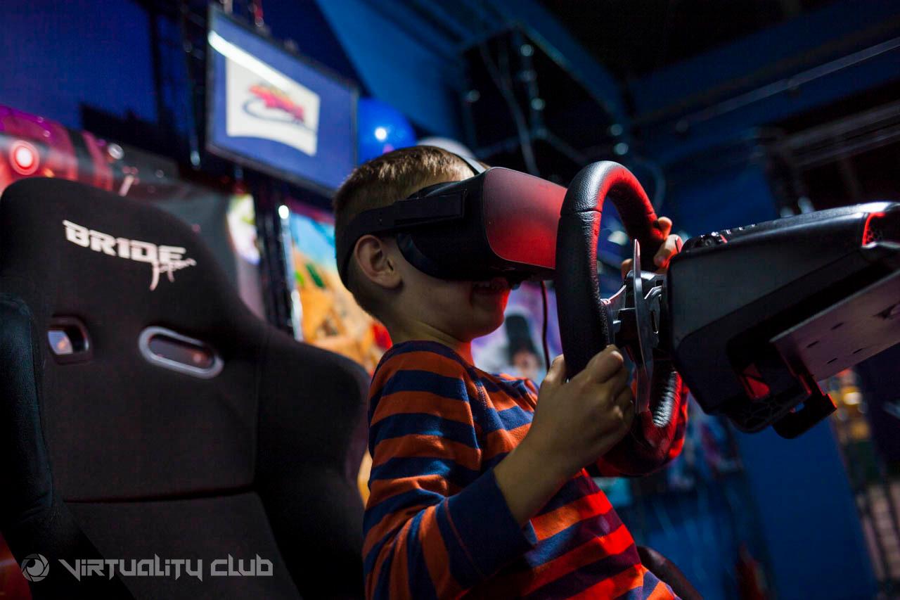 Клуб виртуальной реальности в москве для двоих ночные клубы работающие по понедельникам москва